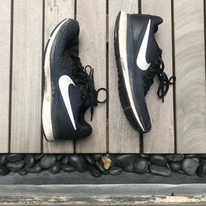 Nike | Black Running Running Shoes